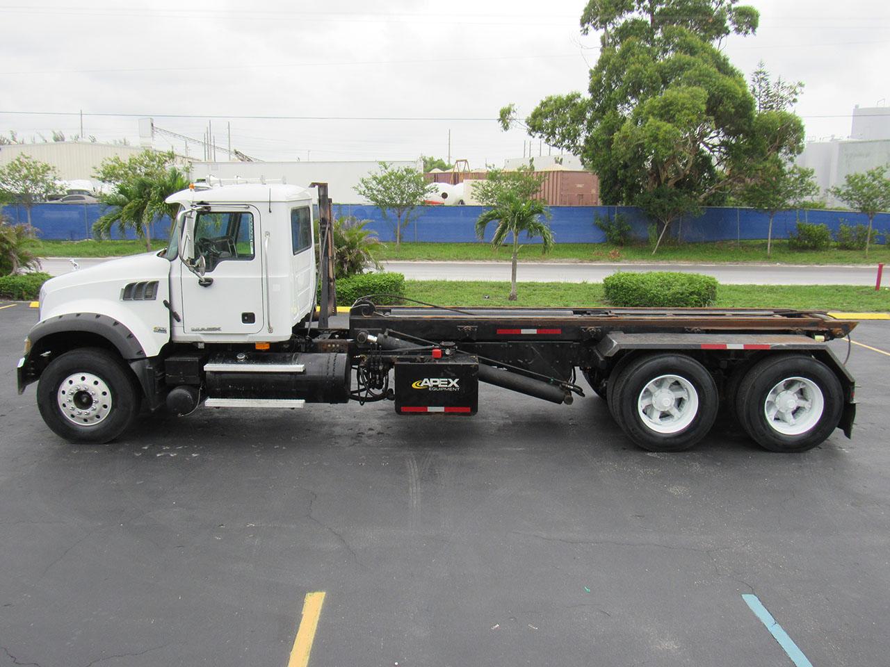 used 2009 Mack Granite in West Palm Beach, FL