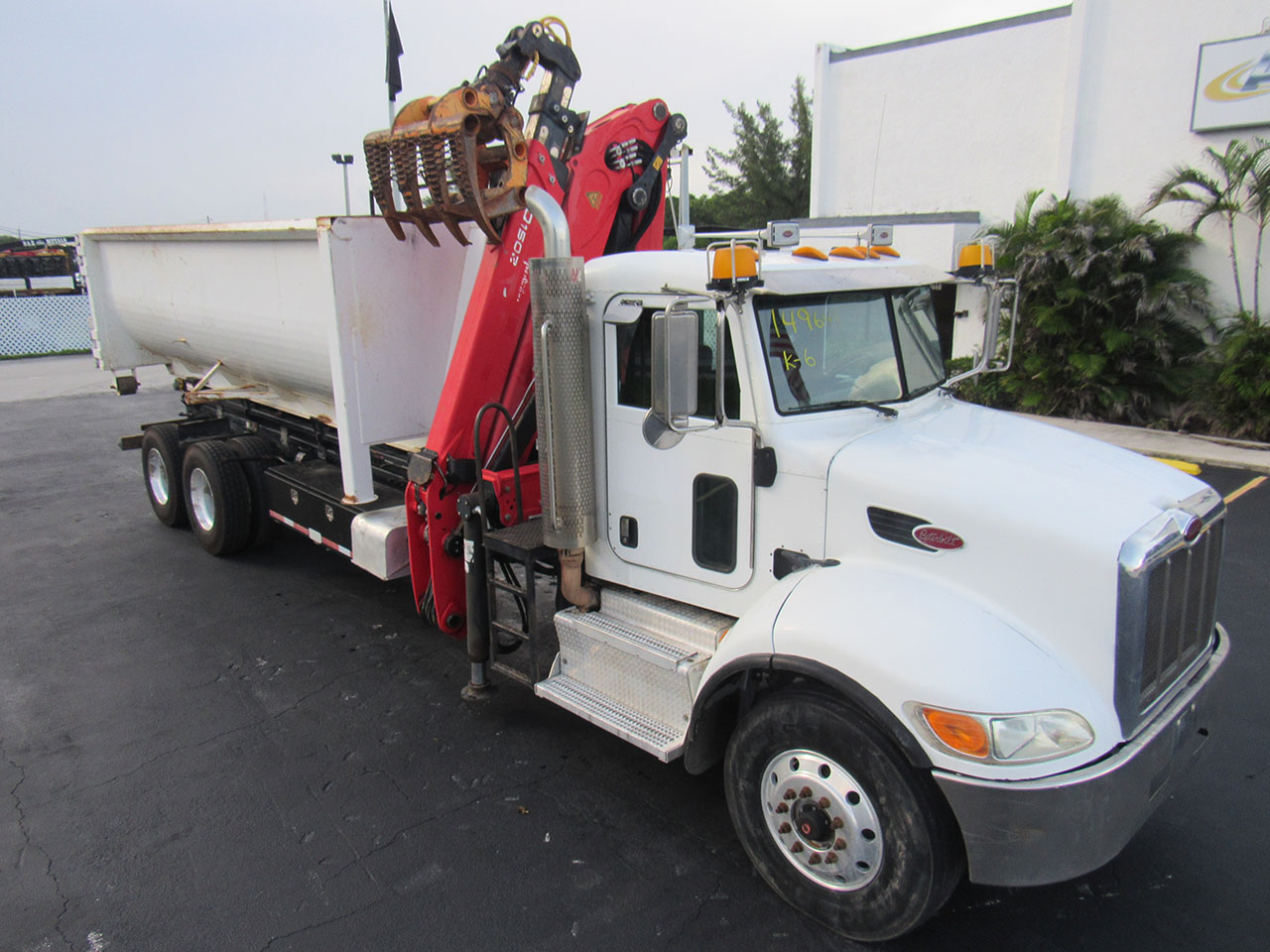 used 2012 Peterbilt 348 in West Palm Beach, FL