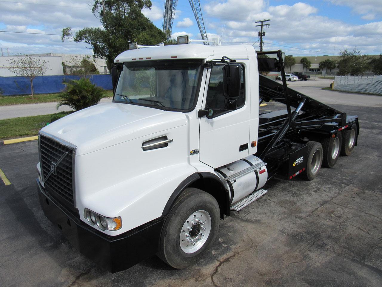 used 2006 Volvo VHD84B in West Palm Beach, FL