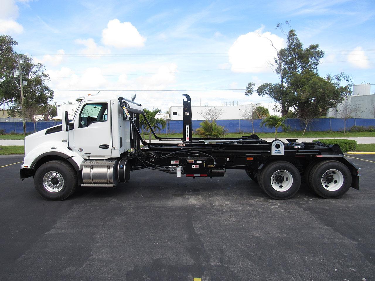 new 2022 Kenworth T880 in West Palm Beach, FL